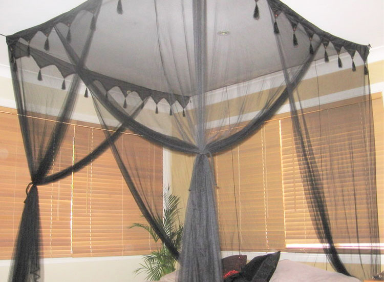 Super King Deluxe Box Black Mosquito Net
