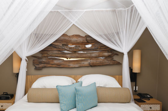 Luxurious Box Canopy Bed Nets